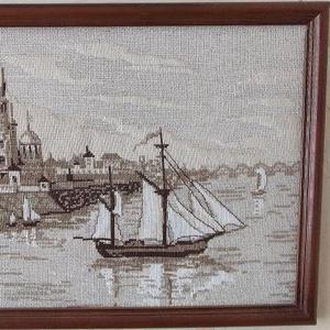 Продам картины вышитые крестом