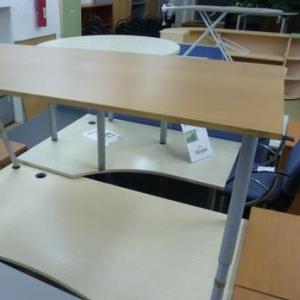 Стол прямой офисный б/у