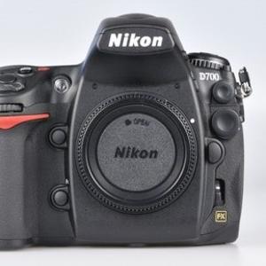 Nikon D700 Цифровые зеркальные фотокамеры с гарантией: на продажу