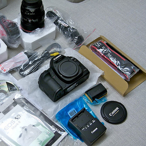 Brand New Nikon D700,  Canon EOS 5D Mark II с полной аксессуары