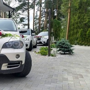 Украшаем машины на свадьбу